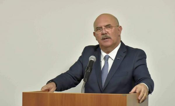 MEC desiste de retorno das aulas presenciais em janeiro após reação de universidades