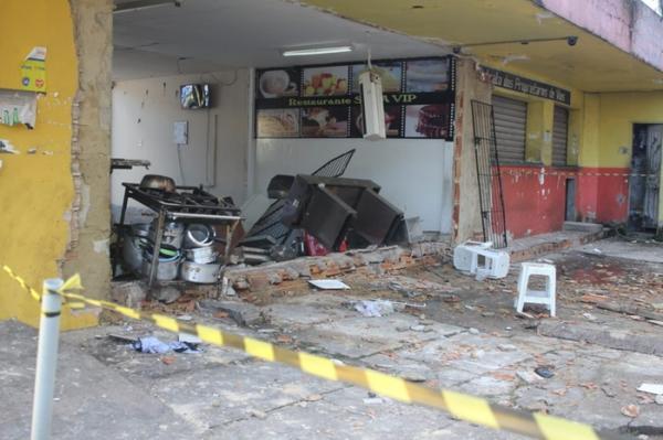 Vazamento de gás causa explosão em restaurante no Terminal Rodoviário de Belém e deixa três feridos. Veja