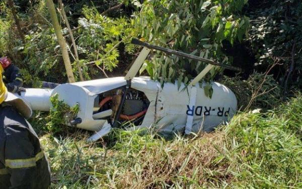 Helicóptero cai com quatro tripulantes