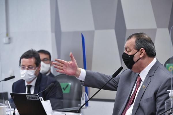 Presidente da CPI diz que não vai mandar prender Wajngarten