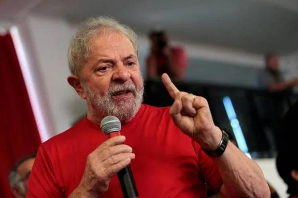 Lula vence em 2022 com 55% contra 32% de Bolsonaro