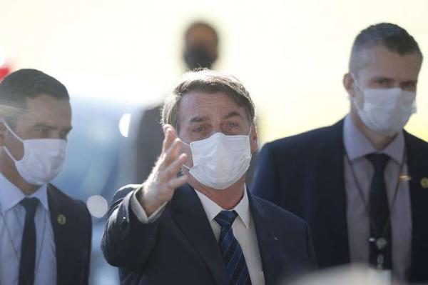Instagram apaga 'fake news' compartilhada por Bolsonaro sobre coronavírus no Ceará