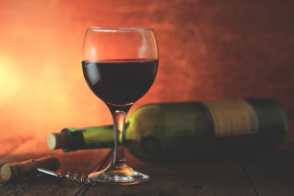 É amante de vinho? Veja 5 acessórios que não podem faltar em sua casa!